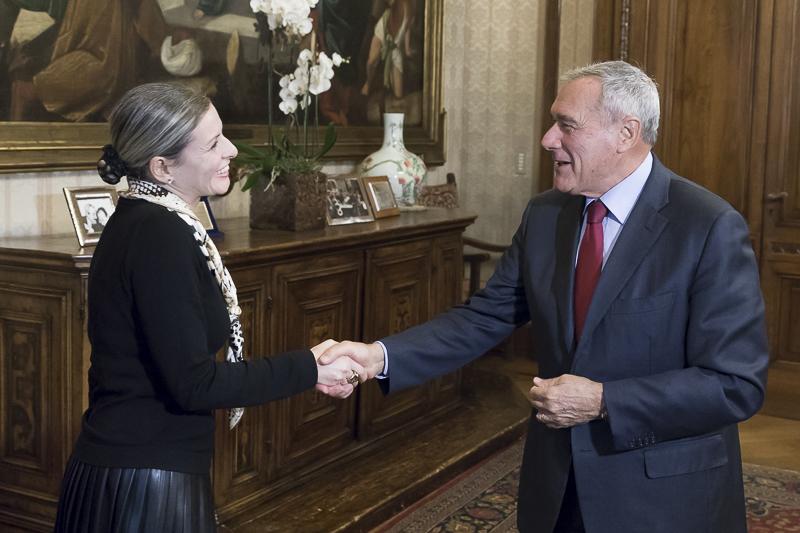 Il presidente del senato visita della coordinatrice anti for Sito senato
