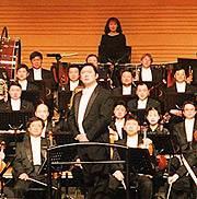 La China Philharmonic Orchestra con il maestro Long Yu